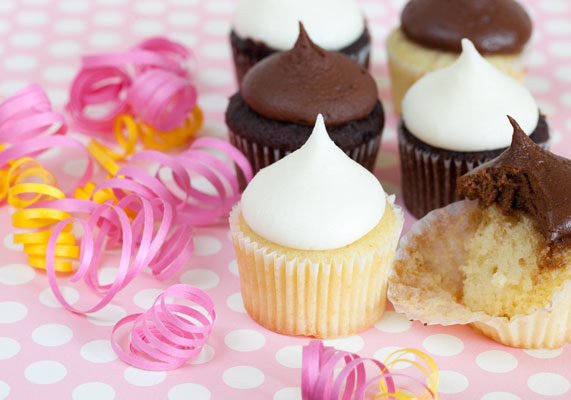 Offering smaller portions is one of the easiest ways you can appeal to your health conscience shoppers. Opposed to providing a selection of fist-sized cupcakes, give customers the option of bite-size cupcakes. The petite cupcakes can be sold in batches and are perfect mini-desserts for small parties. In addition, the small portion size allows for a healthy indulgence.