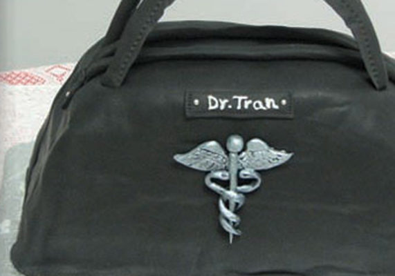 Doctor bag%20cake%20by%20sugar%20fashion%20cakes%20in%20kentucky