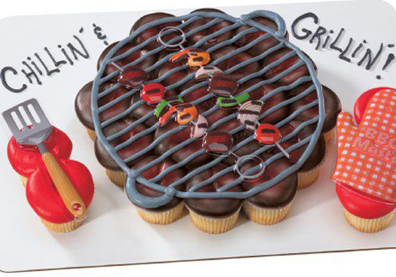 Grill%20cupcake%20cakes%20from%20oakmont%20bakery