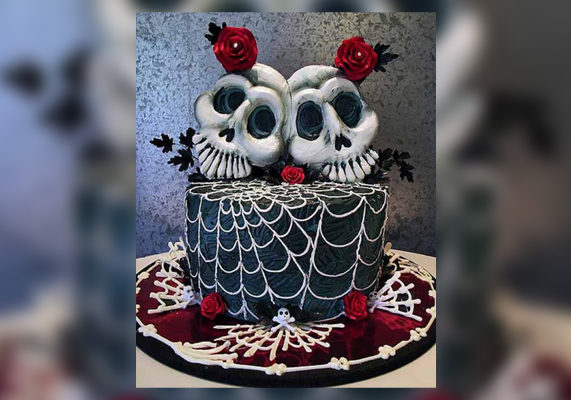 Halloween wedding cakes 571x400