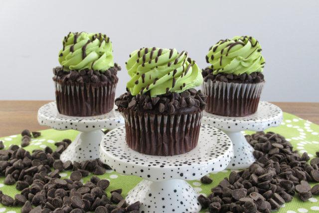 Twist_grasshoppercupcakes