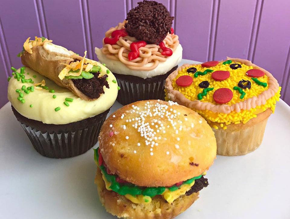 CupcakesDinner_SweetMandyBs