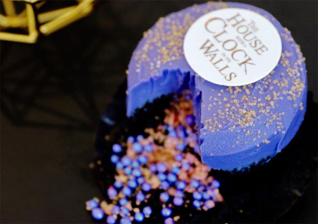 Sprinkles Cupcakes promotes new movie with special cupcake