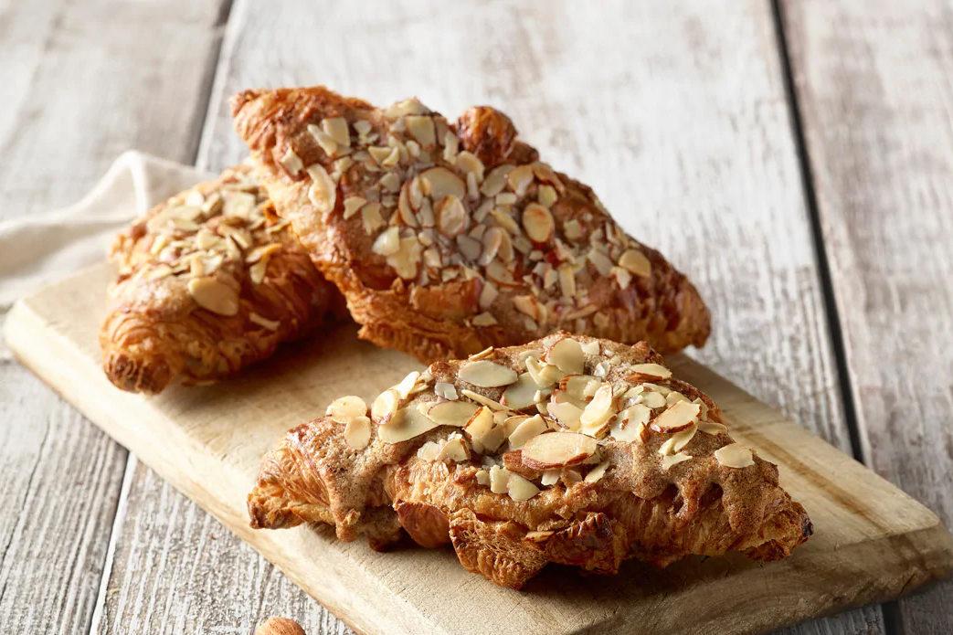 Panera_AlmondCroissant