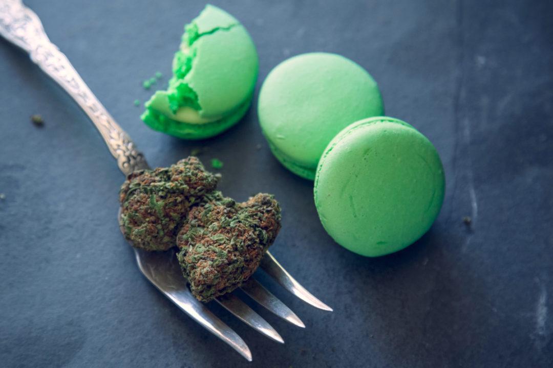 CannabisEdibles_Macarons