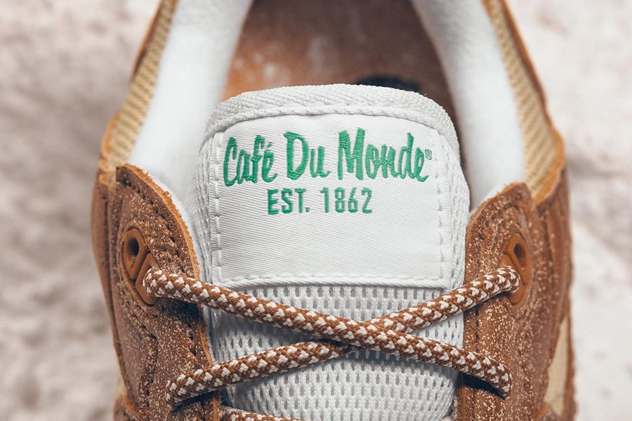 CafeDuMonde_SneakerPolitics3
