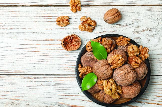 Walnuts_AdobeStock